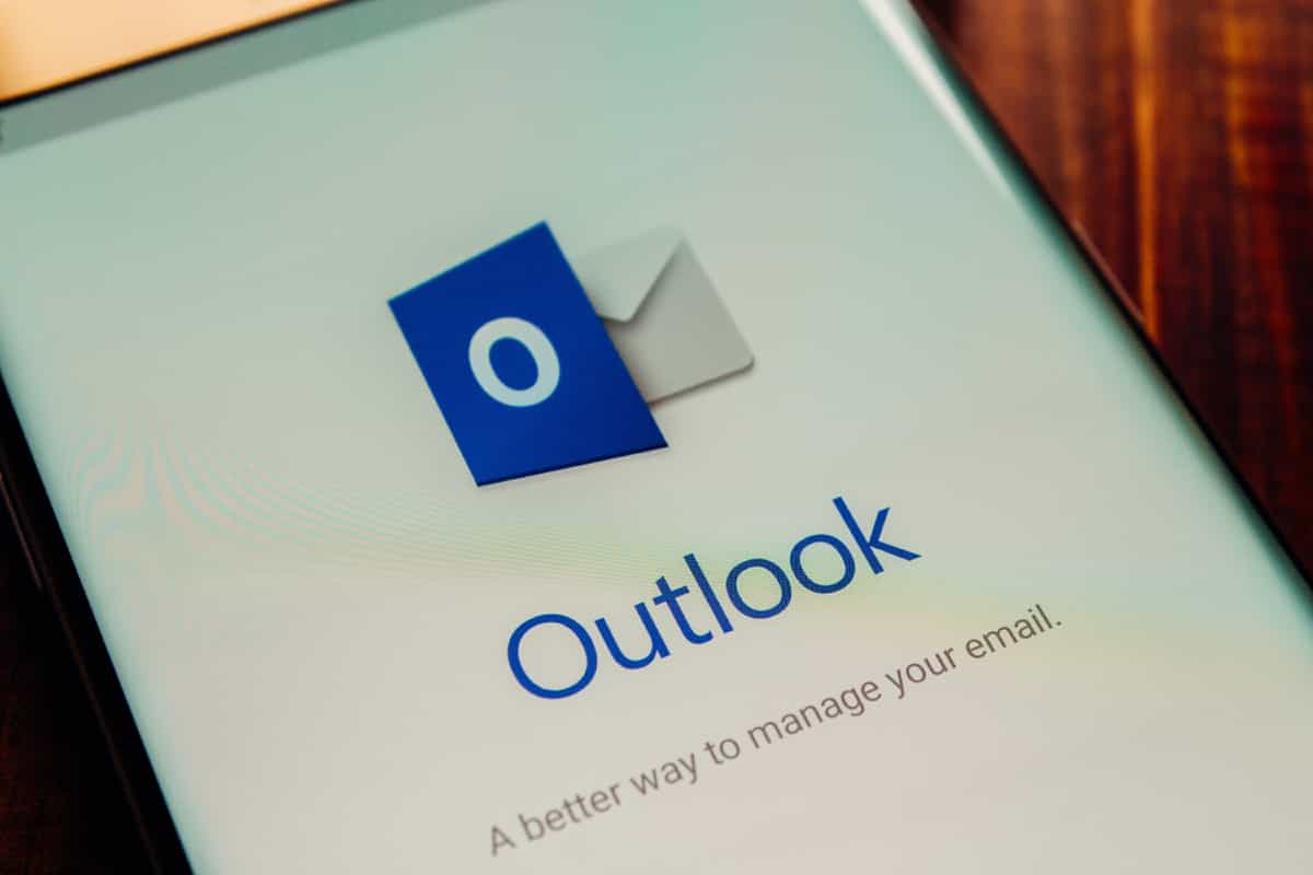 How to Create a Distribution List in Outlook?