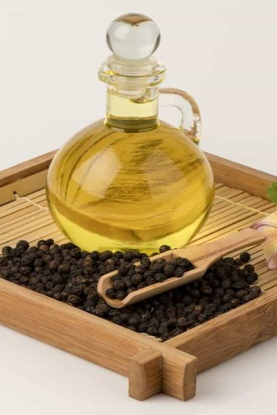 3 Ways to Use Black Pepper Oil as a Natural Remedy